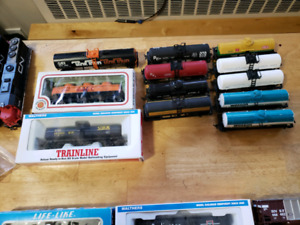 Ho scale engines an cars