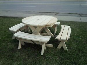 NEW ROUND PICNIC TABLE