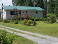 Country Bungalow with acreage and barn, close to Englehart