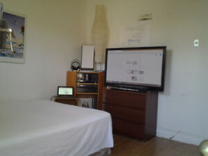 Cheap and cheerful double bedroom