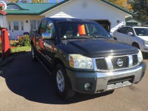 2005 Nissan Titan LE *Fully Loaded Top of the Line!*