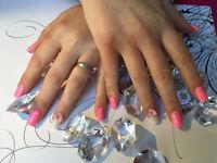 Technicienne en pose d'ongles a votre domicile