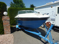 1977 Reinell ski boat with 90 horse Yamaha Outboard motor