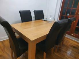 Oak veneer table and 6 chairs