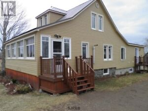 4 bd country home with lots of renos in Cambridge Narrows, N.B