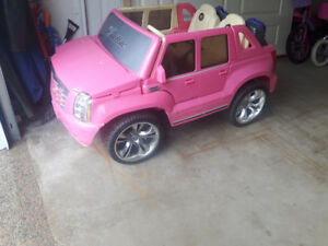 Escalade battery operated ride on