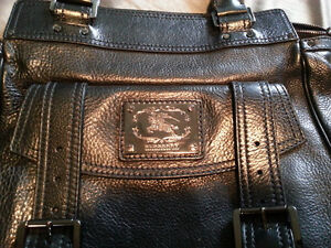 AUTHENTIC BURBERRY HAND BAG Windsor Region Ontario image 3