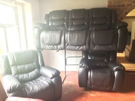 Black leather suite new 3.1,1