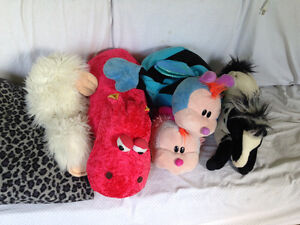 Assorted Stuffed animals, and 4 additional toys
