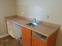 Bar countertop 85 inches in great condition