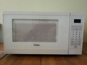 0.7 cubic feet Haier Microwave Oven For Sale