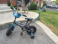 Child's Bicycle with training wheels and handle