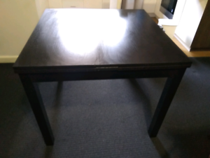 Extendable dining table - great buy!