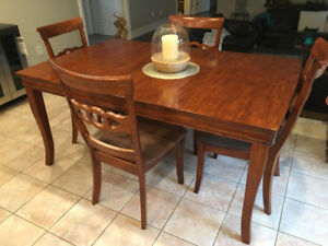 5 piece dining set with extension leaf