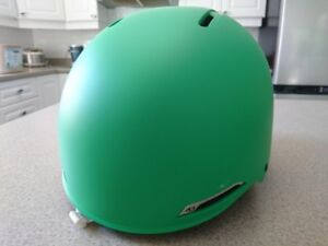 Giro Battle Men's Snowboarding Helmet