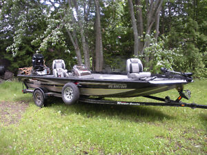 Triton 19.5 Tournament Bass Boat w/ all the bells and whistles