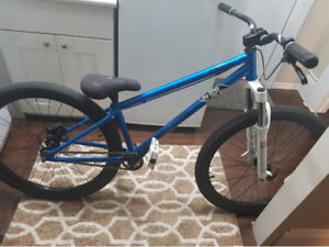 Dirt Jumper Radio Griffen Pro $800.00 not interested in trades.