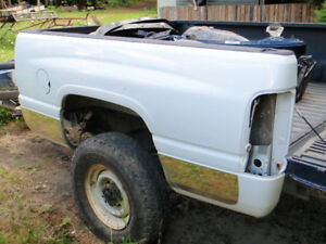 2001 Dodge pick-up box and truck parts