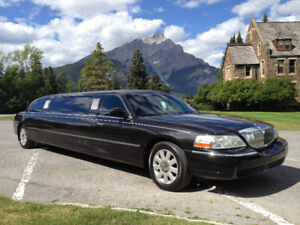 For Sale 2003 Lincoln Town car Limo 8 Passenger