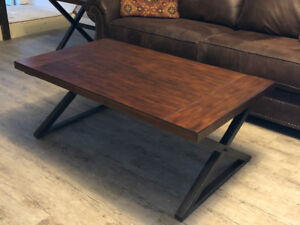 NEAR NEW COFFEE TABLE AND 2  END TABLES
