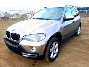 BMW X5 2007 3.0L Low km. Good conditions.