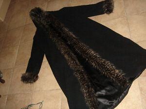 LADY COAT, black with hood,fake?fur down front/hood, L-xl ,wool+