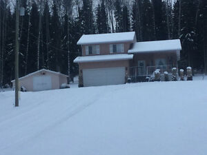 Large home 5 minutes from Burns Lake