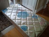 Twin mattress and matching box spring in great condition