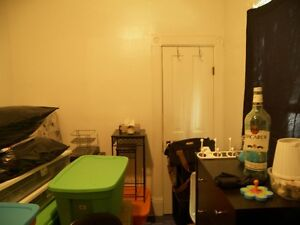 Affordable Downtown Apartment with Garden Kitchener / Waterloo Kitchener Area image 9
