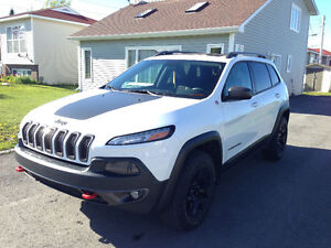 2014 Jeep Cherokee 4WD Trailhawk V6 with Extended warranty