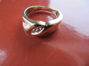A brand new solid 10k gold ring Kitchener / Waterloo Kitchener Area image 2