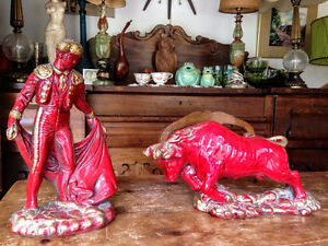 1960s MID Century Modern Red Ceramic Pottery Matador Bull Fighte West Island Greater Montréal image 1