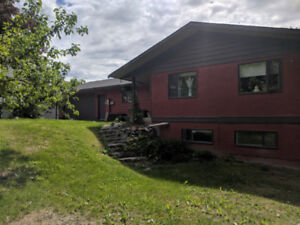 Renovated Rancher with 2 Bd Suite (Salmon Arm)
