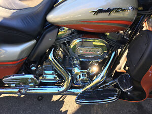 2009 HD FLHTCUSE CVO Ultra Classic Electra Glide REDUCED West Island Greater Montréal image 4