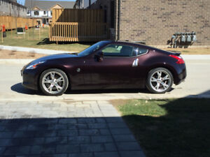 2010 Nissan 370Z Sport touring.