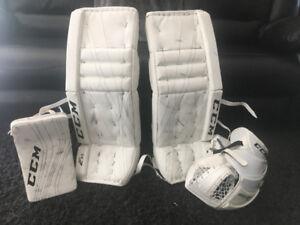 CCM 32+1 goalie pads equipment glove blocker