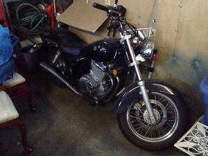 Suzuki Marauder (GZ250) Motorcycle- Awesome beginner/womens bike
