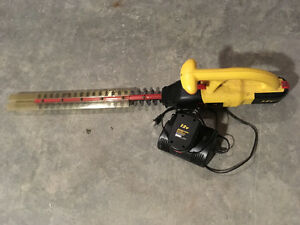 McCulloch hedge trimmer 12v  + 1
