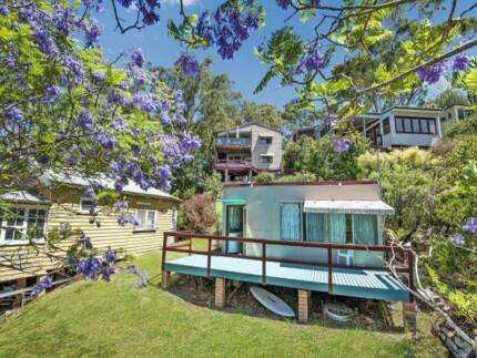 Amazing waterfront reserve -Separate granny flat in Horsfield Bay