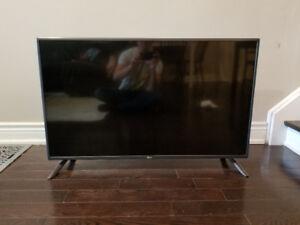 LG LED TV 42 inch (1080p) smart TV