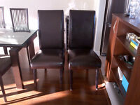 Meubles / Furniture: Chair, Table