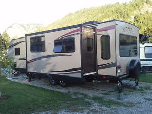 Palomino SolAire 297 RLDS by Forest River