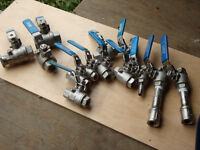 Plumbing - 19 pc assorted ball valves