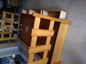 SINGLE SOLID WOOD box STORAGE BED WITH DRAWERS. $175INCLUDES EV