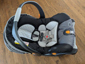 Chicco KeyFit 30 Infant Car Seat + Bugaboo adapter
