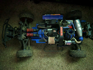 Traxxas 1/10 nitro rc ready to ride comes wuth lots of extras