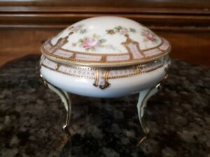 Hand painted Nippon covered dish 4.5 x 5 inches