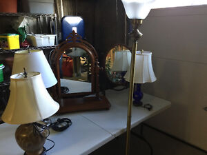 SEVERAL TABLE LAMPS AND DRESSER MIRRORS