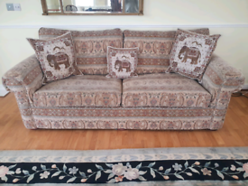 VERY GOOD QUALITY SOFA, FREE DELIVERY