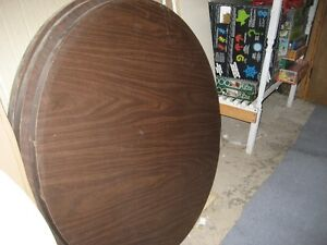Reduced price for 2 heavy duty round table tops Gatineau Ottawa / Gatineau Area image 2